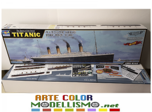 TRUMPETER ITEM 03719 TITANIC  w/ LED 1/200 MODEL SCALE